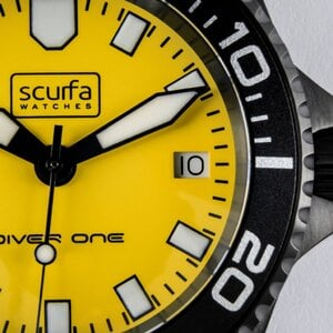 diver-one-d1-500-yellow-pvd-03-1-1024x1024.jpg
